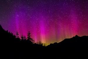 aurora-borealis-1065013_640