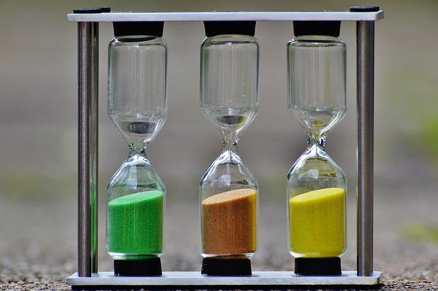 hourglass-1290532_640