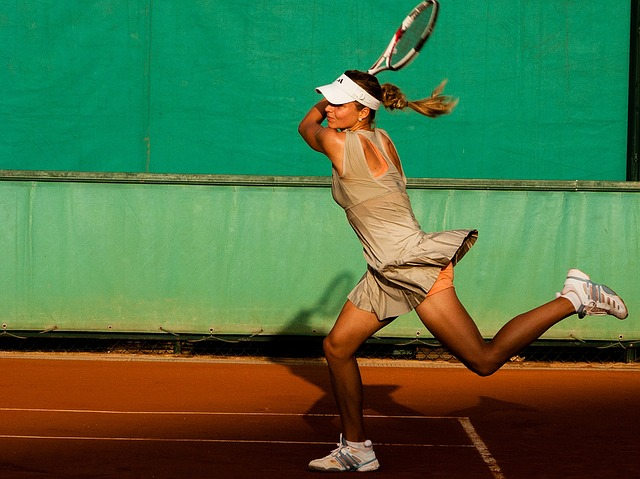 tennis-player-1246768_640