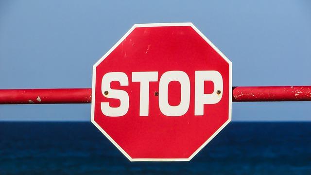 stop-1374937_640